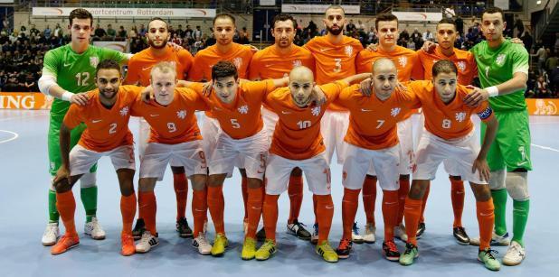 30/11 Loosveld selecteert 14 spelers